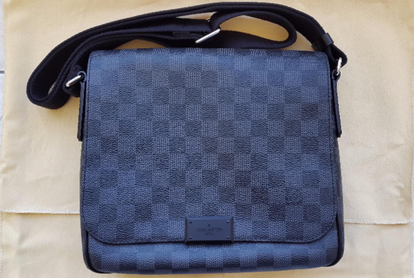 Cap Luxury   achat et vente de produits de luxe de catégorie Louis ... 8fb748924a5