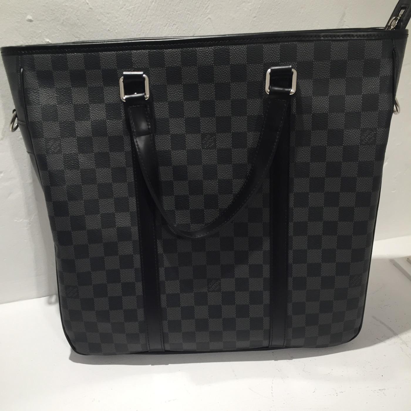 Cap Luxury   achat et vente de produits de luxe de catégorie Louis ... 8d55b01663e